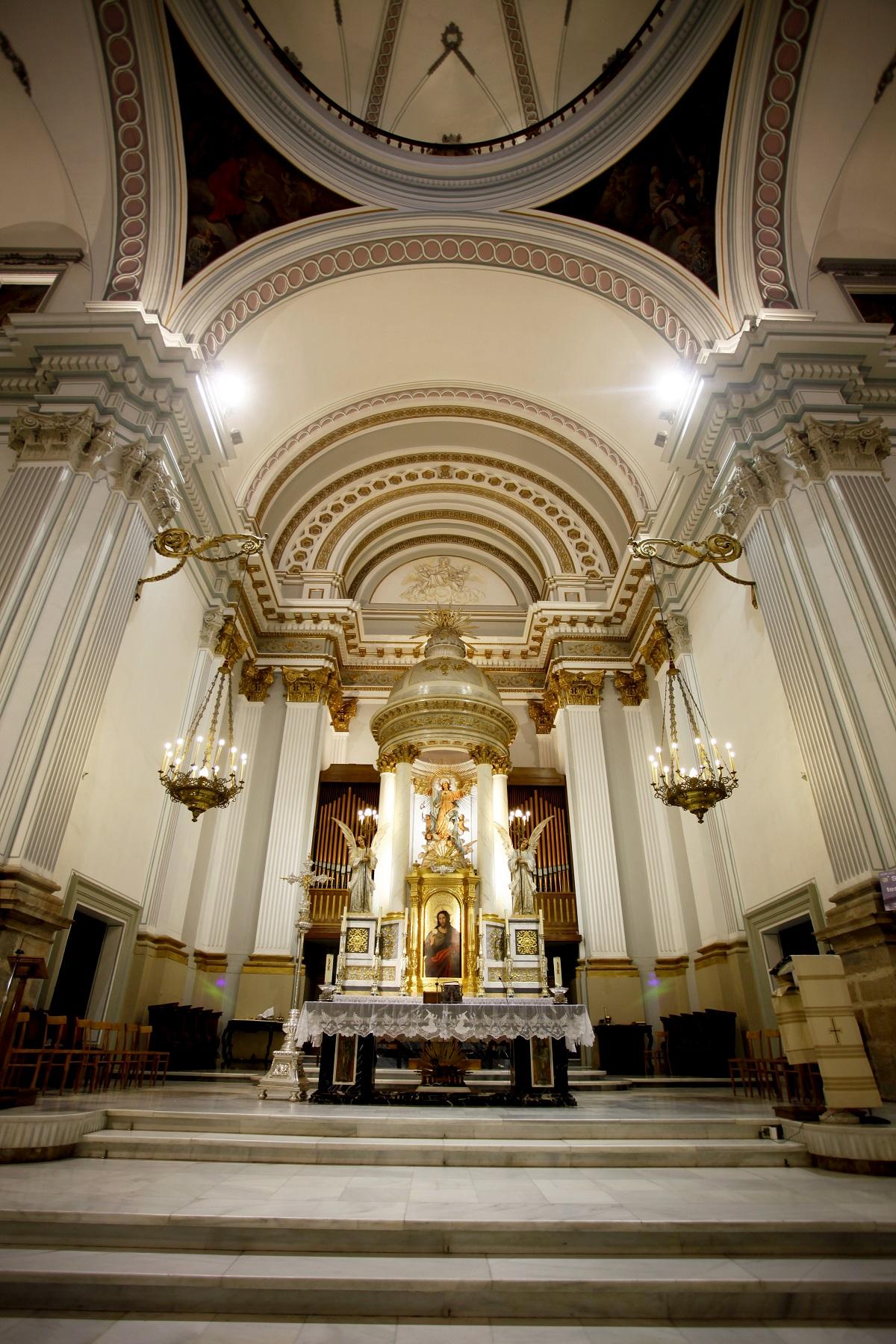 Parroquia Santa María La Mayor en Oliva