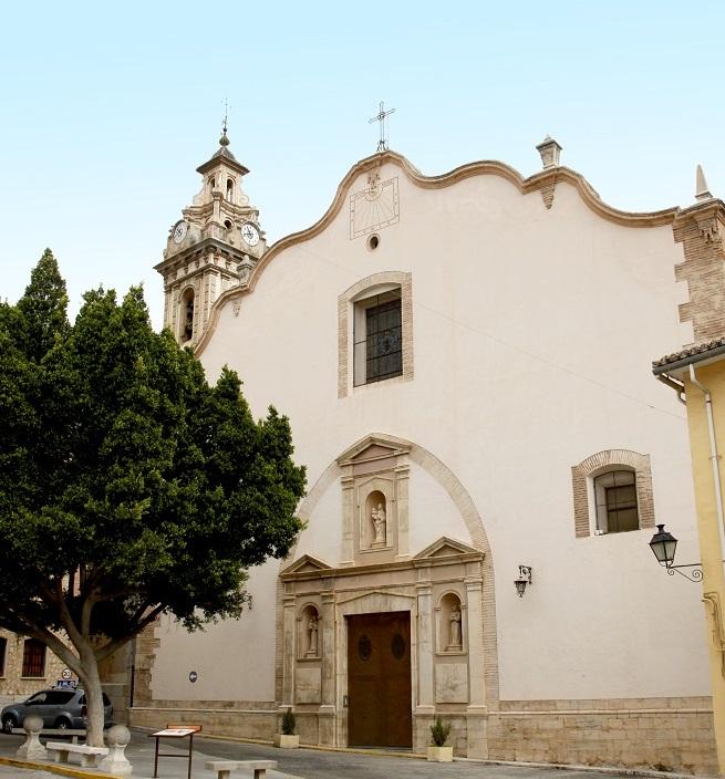 Fachada Parroquia Santa María La Mayor en Oliva
